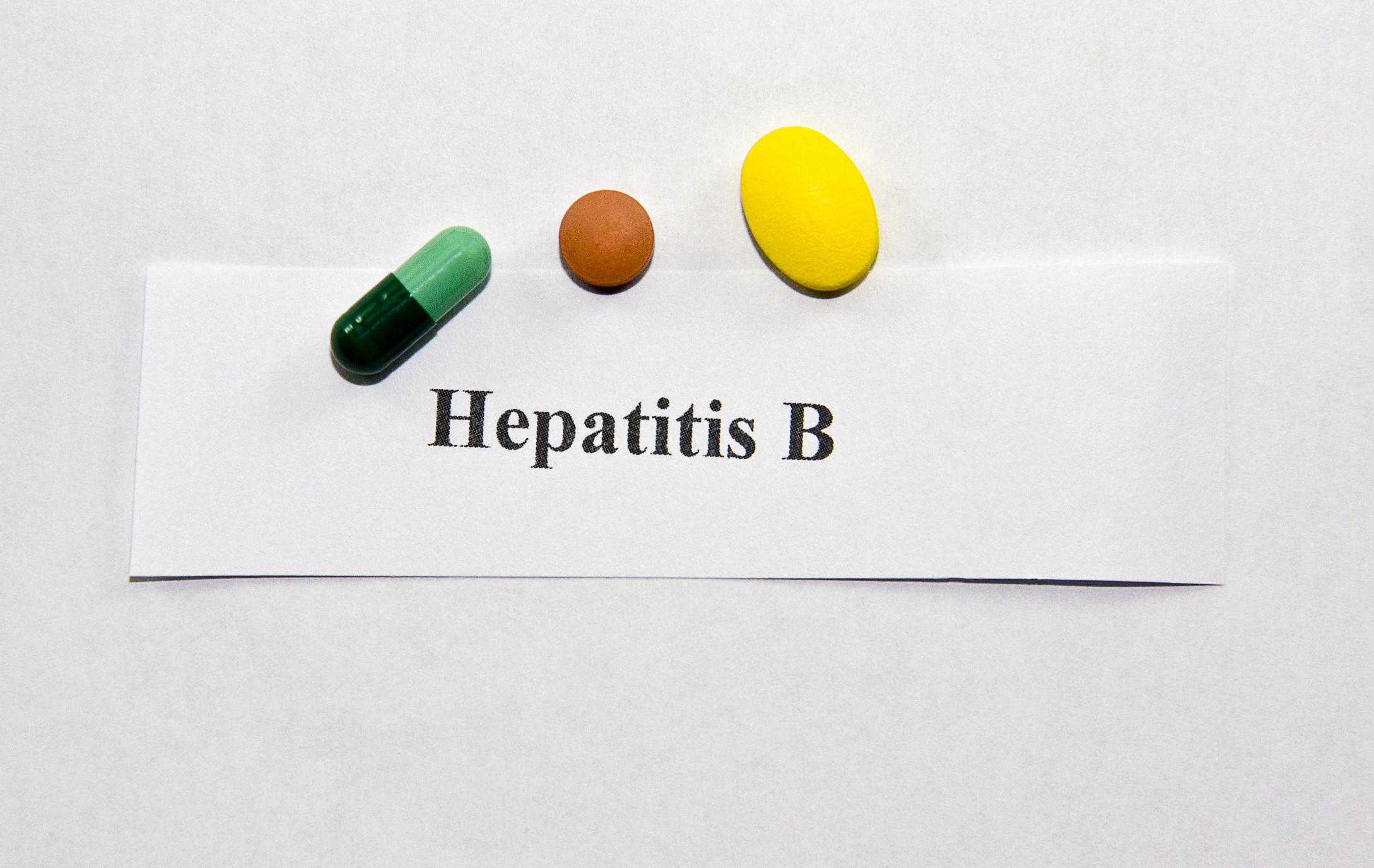 B-hepatiitti tarttuu kehon nesteiden kautta